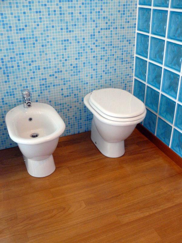 Parche per bagno perfect parche per bagno with parche per - Parquet prefinito in bagno ...